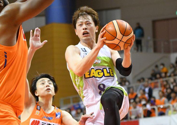 レバンガ北海道の『粘りのバスケ』は第4クォーターに効く! 連日の逆転劇で新潟アルビレックスBBを撃破