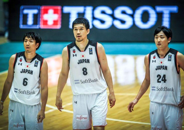 アジアカップに挑む男子日本代表、オーストラリアの高さと巧さに屈しフリオ・ラマス新体制初の公式戦を白星で飾れず