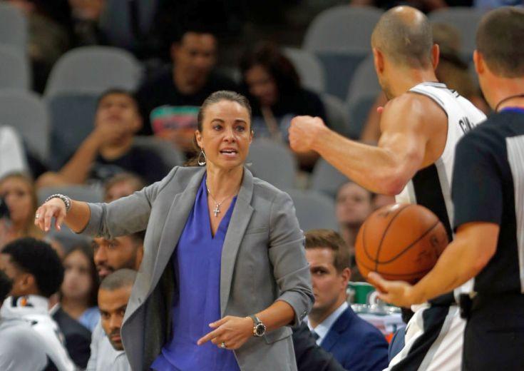 NBA史上初の女性アシスタントコーチ、ベッキー・ハモンがプレシーズンでスパーズを指揮、女性初のヘッドコーチ誕生に前進