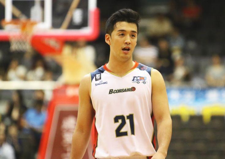 盟友対決でBリーグデビューを果たした注目のルーキー田渡凌、ベテラン中心の横浜ビー・コルセアーズを変える『劇薬』に