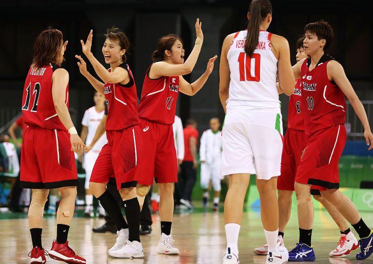 五輪初戦で歴史的勝利! ベラルーシの高さに苦しみながらも「走るバスケ」で接戦を制す