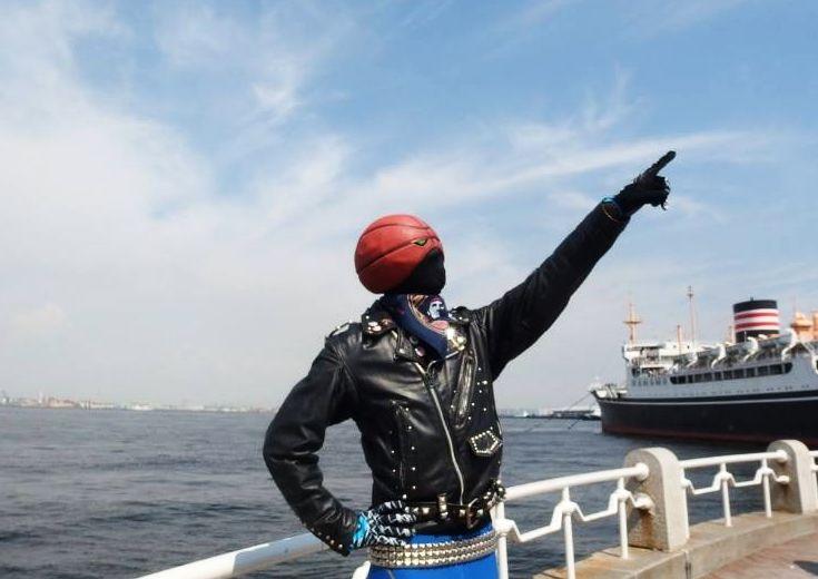 横浜ビーコル名物、バスケライダーが満を持して『バスカン』初登場! 「僕はジャック・オー・ランタンじゃないよ」