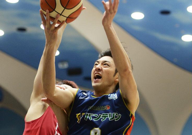 逆転勝利を手繰り寄せた3ポイントシュートと速攻、横浜を救った満田丈太郎の進化