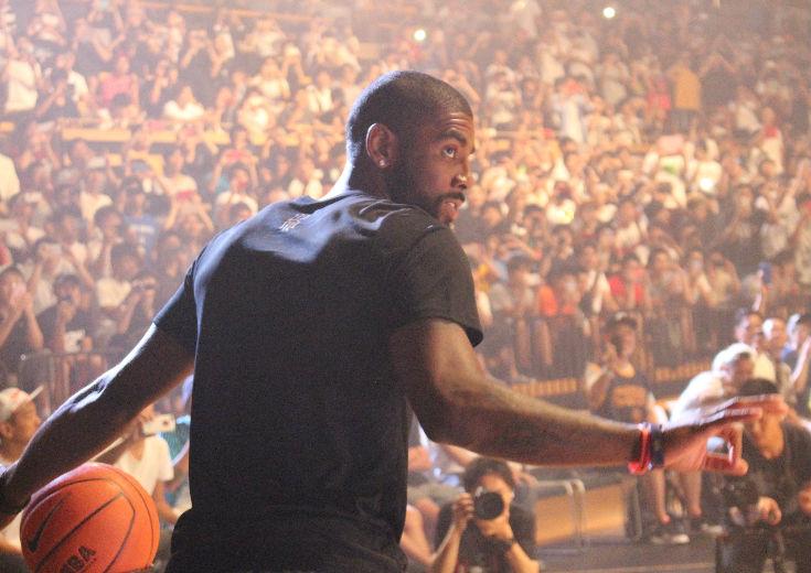 現役NBAスター、カイリー・アービングが登場!ナイキ主催の『CLUTCH BUCKET 東京』でファンとの交流を楽しんだ