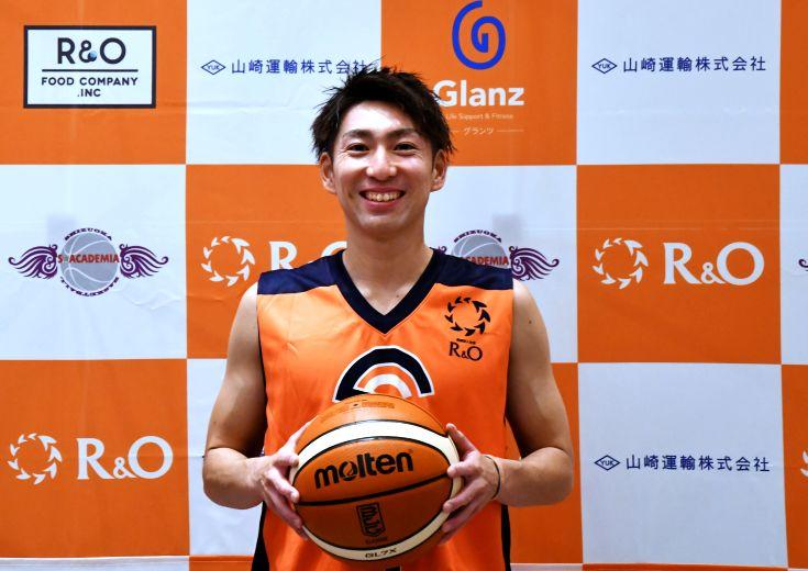 大石慎之介の『笑顔の決断』、社会人クラブチームへ「バスケで静岡を盛り上げる」