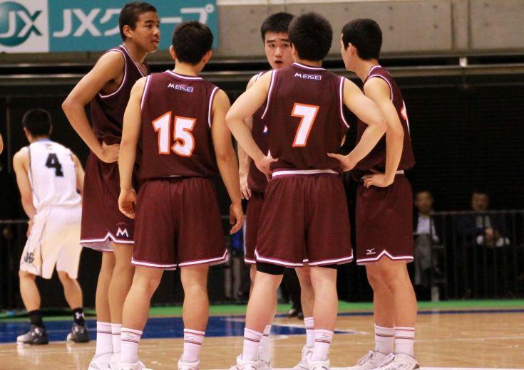 ウインターカップが開幕、東京体育館を舞台に熱戦が繰り広げられる中、前年王者の明成が1回戦で姿を消す