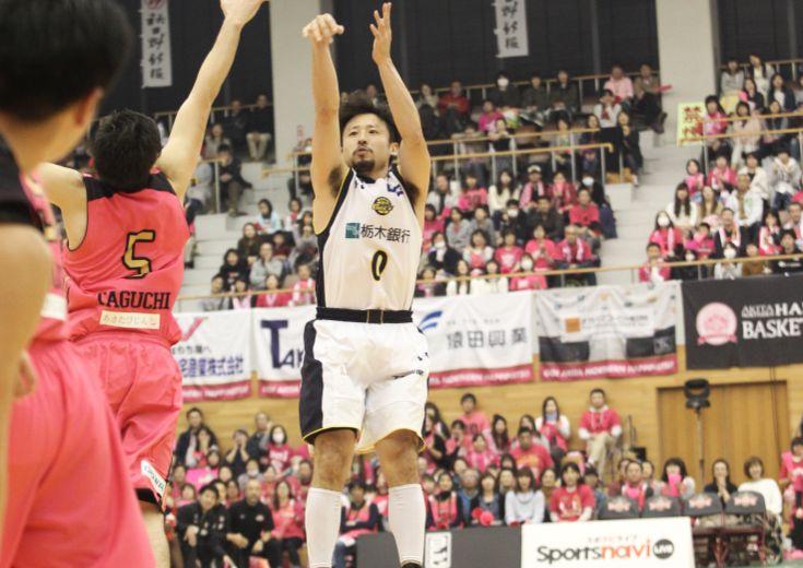 『能代への凱旋』を果たした田臥勇太、クラッチタイムにアシスト連発でチームを勝利に導く
