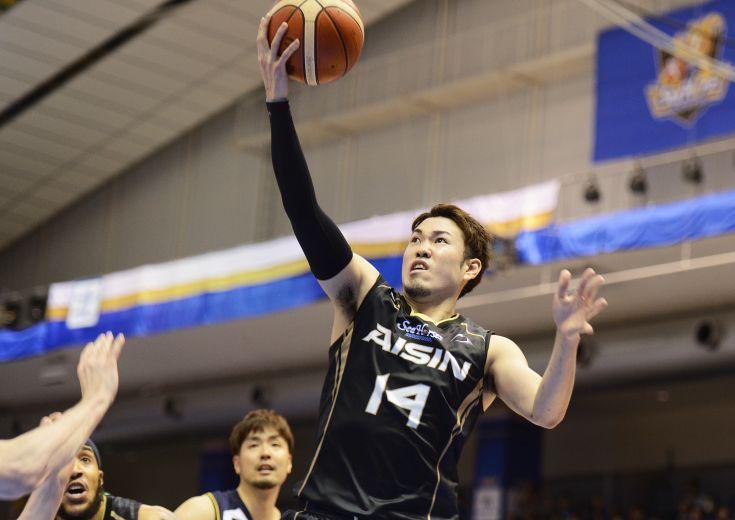 ディフェンスゲームを打ち破る26得点、シーホース三河を勝利に導いた金丸晃輔