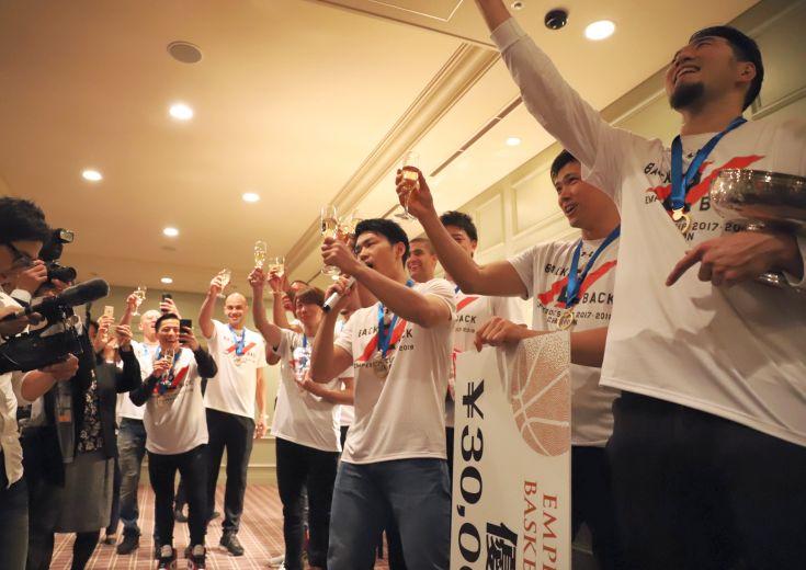 天皇杯連覇を決めた千葉ジェッツ祝勝会、欠場の富樫勇樹も「去年以上にうれしい」