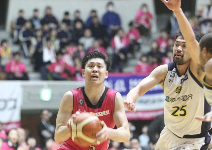 秋田ノーザンハピネッツ、首位の栃木ブレックスを相手に粘りのバスケを展開するも勝負どころでメンタルの差を露呈