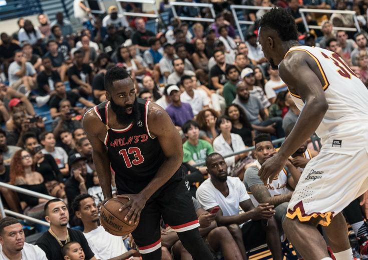 ジェームズ・ハーデンも参戦、現役NBA選手も多数出場した『DREW LEAGUE』に行ってみた!