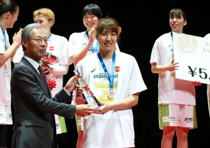 皇后杯MVPを受賞した宮澤夕貴を突き動かすライバル意識「ワールドカップでスタメンで出られるように、今のうちに」