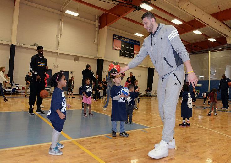 NBA選手がオフに開催するバスケットボールキャンプとは?