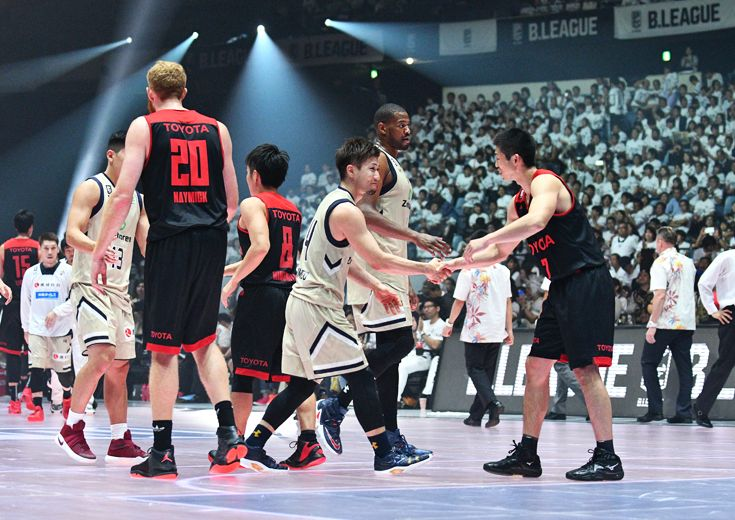 Bリーグ開幕第2夜、完璧なディフェンスを遂行したアルバルク東京が琉球ゴールデンキングスに完勝
