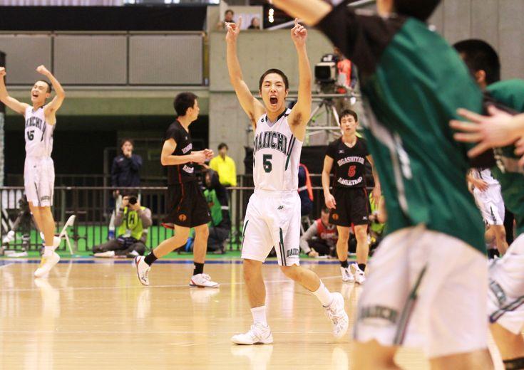 『守って走り切るバスケット』を展開した福岡第一、互いの持ち味を出し合う激闘の末に東山を破り、ウインターカップを制す