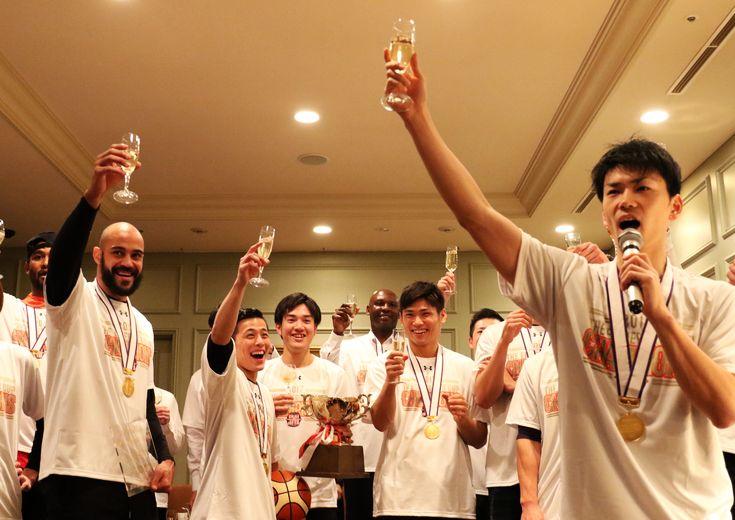 「天皇杯を初めて制したプロクラブ」となった千葉ジェッツ、初タイトルを祝う祝勝会に潜入!