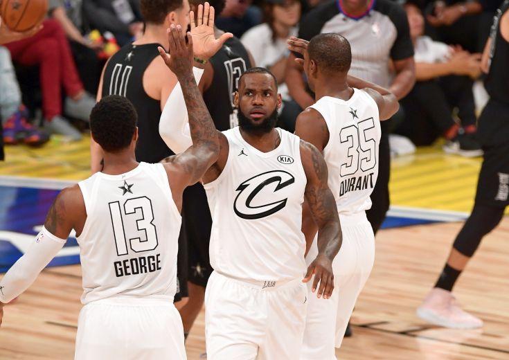 レブロン・ジェームズとポール・ジョージ、NBAの勢力図を塗り替える相談?