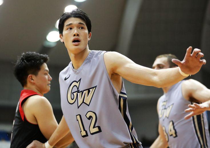 凱旋帰国の渡邊雄太「日本のお客さんの前でプレーするのは楽しい」