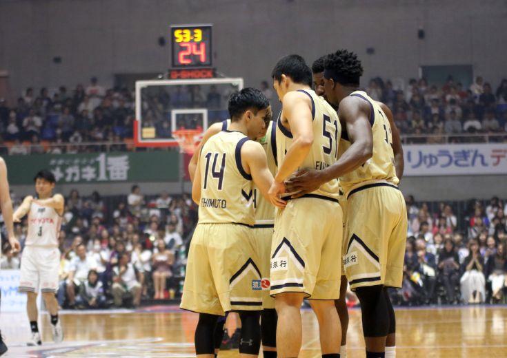 琉球ゴールデンキングス、ディフェンス強度とエナジーレベルで上回りA東京に快勝