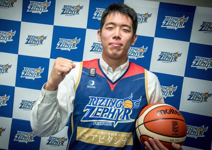 特別指定制度でライジング入り、高校生センター井上宗一郎「気持ちでは負けない」