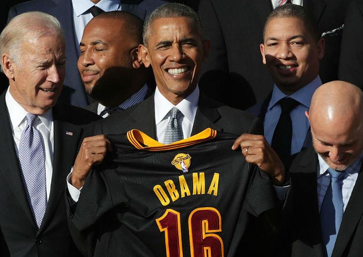 オバマ大統領、優勝報告のためホワイトハウスを表敬訪問したキャブズの面々に、ジョークを交えて祝福