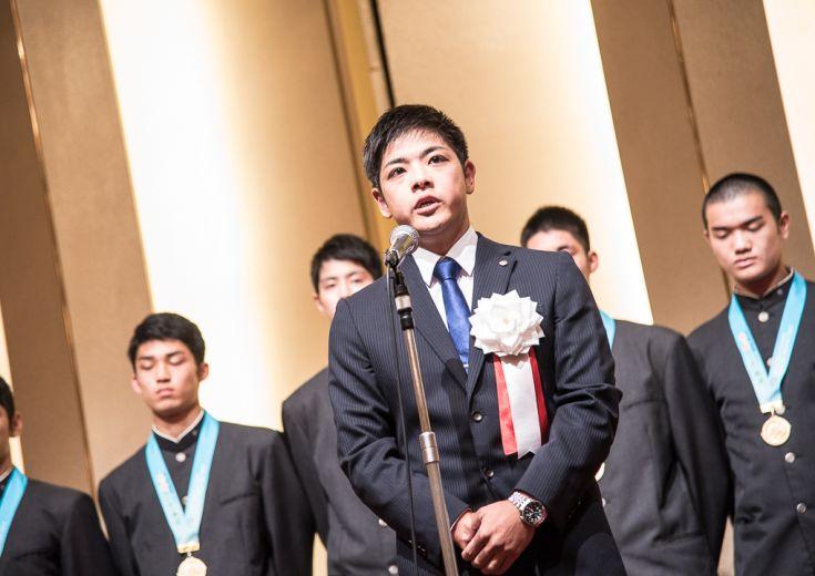 インターハイ王者となった福岡大学附属大濠の優勝祝賀会、片峯聡太監督は「チームのまとまり、献身的なプレー」を誇る