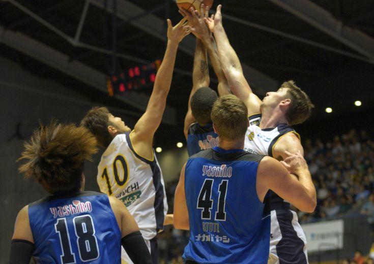 全員バスケの『遂行力』が光る島根スサノオマジック、栃木ブレックスとのB1ホーム初戦でオーバータイムを制す大金星