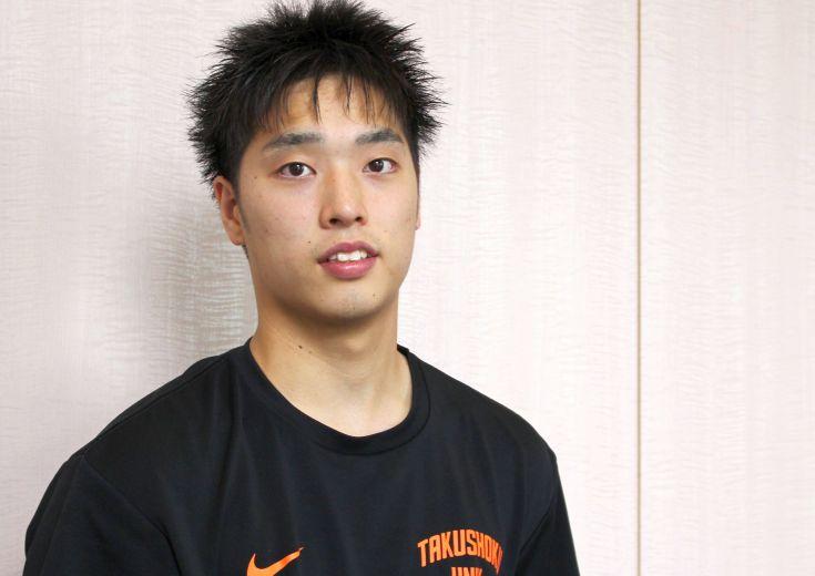 将来を見据えガードへのコンバートに取り組む岡田侑大(拓殖大1年)、かつての高校No.1スコアラーは大学リーグで奮闘中
