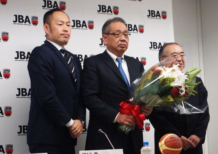男子日本代表の長谷川健志ヘッドコーチが電撃退任、しばらくは指揮官不在のまま『個のレベルアップ』に注力