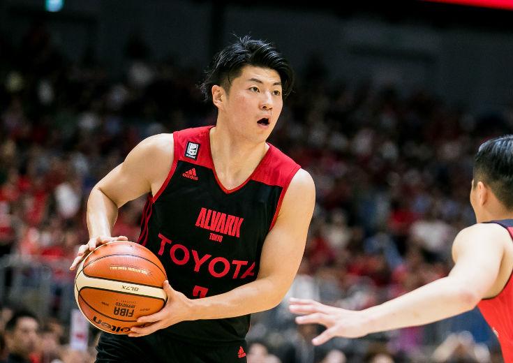 Bリーグ制覇に貢献した安藤誓哉がアルバルク東京に完全移籍「ここでより成長したい」
