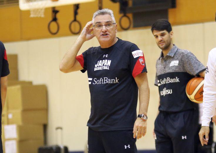 日本代表ヘッドコーチのフリオ・ラマスは「Bリーグと代表が融合して、一緒に成長していく」ことを強調