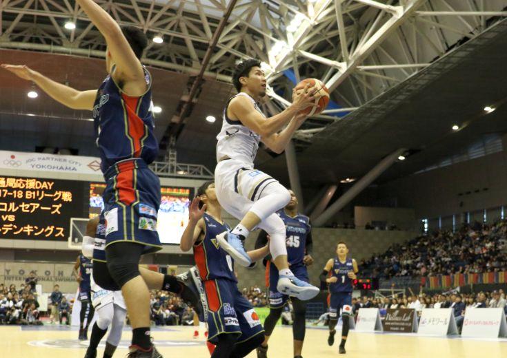 スモールラインアップの琉球ゴールデンキングス、横浜を圧倒して7連勝を達成