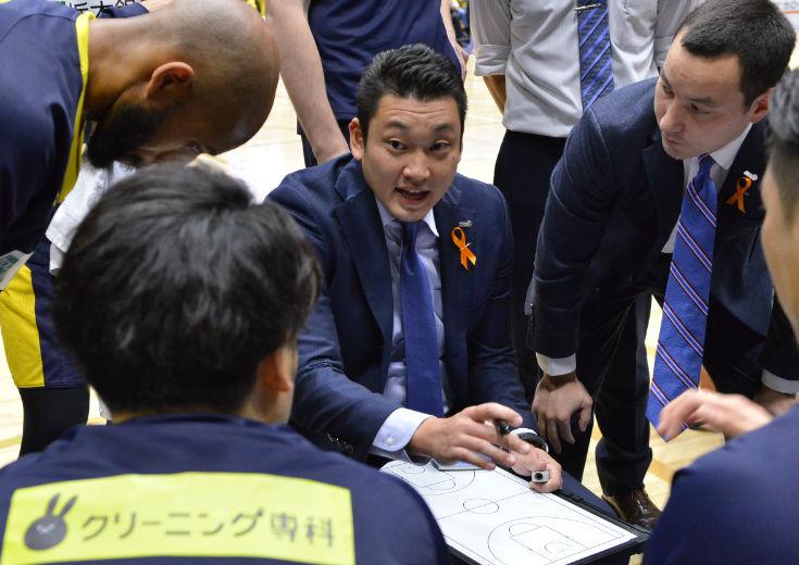 復調の兆しを見せていた栃木ブレックスに衝撃、長谷川健志が退任しアシスタントコーチの安齋竜三がヘッドコーチに昇格