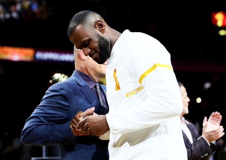 NBA2016-17シーズン開幕! 王者キャバリアーズ、リング授与とバナー掲揚でモチベーションMAXで初戦ティップオフへ