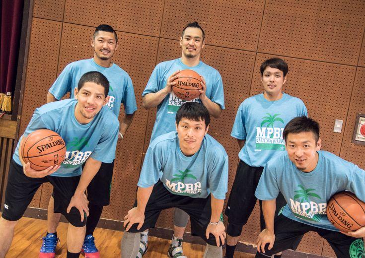 清水太志郎の呼びかけて宮崎県の高校出身のプロ選手6名が集結、都城工業高校に集まった中学生プレーヤー100人と交流