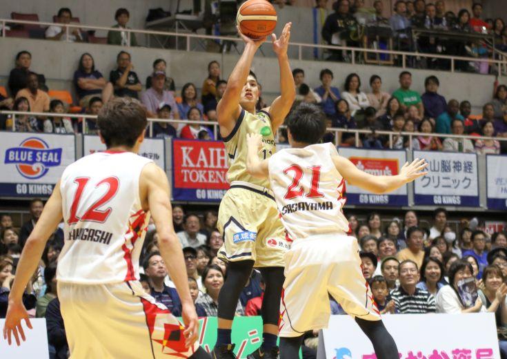 全員でミスをリカバリー、琉球ゴールデンキングスが名古屋Dに粘りのバスケで勝利